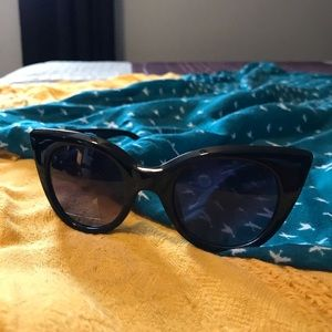 LC Lauren Conrad Black Cat-eye Sunglasses